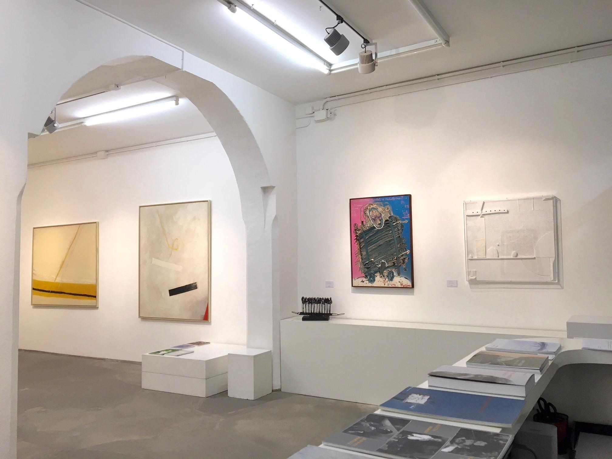da sin. Valentino Vago,Mattia Moreni,Armando Marrocco, (particolare dell?allestimento)Galleria Antonio Battaglia
